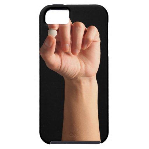 Las personas dan sostener una píldora blanca entre funda para iPhone SE/5/5s