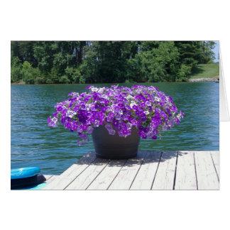 las petunias púrpuras le agradecen tarjeta pequeña