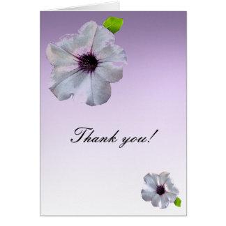 Las petunias simples le agradecen tarjeta pequeña
