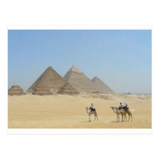 Las pirámides postales