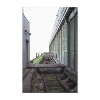 Las pistas de ferrocarril viejas acercan a los impresión en lienzo