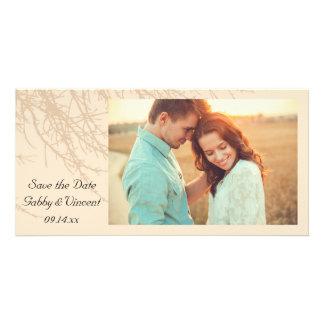 Las ramas de la naturaleza que casan reserva la tarjeta fotográfica personalizada