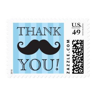 Las rayas azules del bigote negro le agradecen sellos