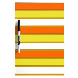 Las rayas del naranja, amarillas y blancas secan pizarras