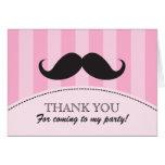Las rayas negras del rosa del bigote le agradecen  felicitación