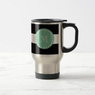 Las rayas negras modelan, monograma de la verde me taza de café