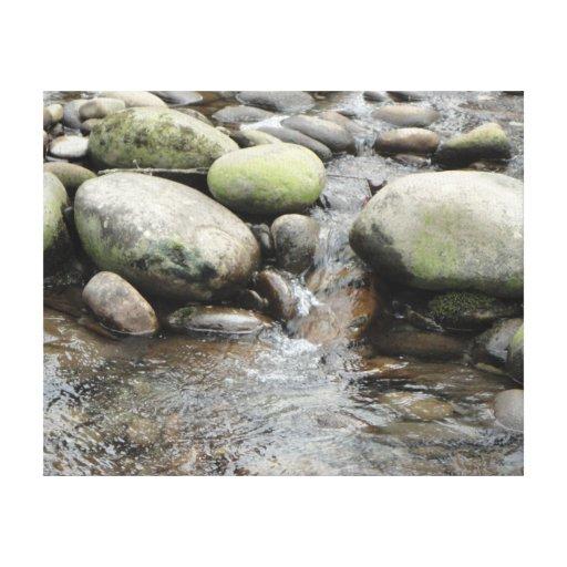Las rocas del río envolvieron la lona impresión en lienzo