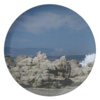 Las rocas y salpican; Ningún texto Plato