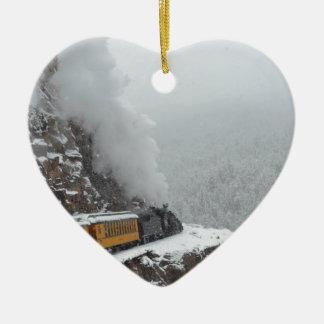Las rondas expresas polares la curva adorno navideño de cerámica en forma de corazón