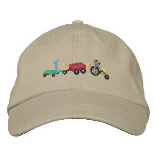 Las ruedas del niño gorra de beisbol