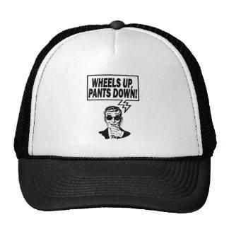 Las ruedas suben los pantalones abajo gorro de camionero