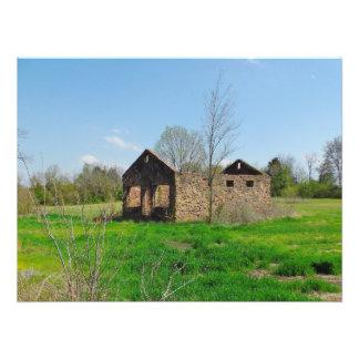 las ruinas contienen en campo verde fotografías