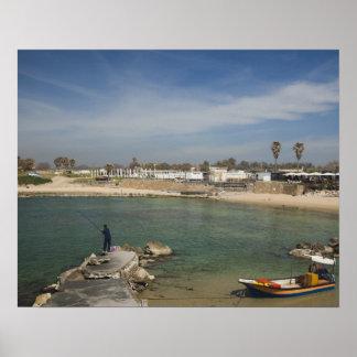 Las ruinas de Caesarea del puerto construyeron por Póster