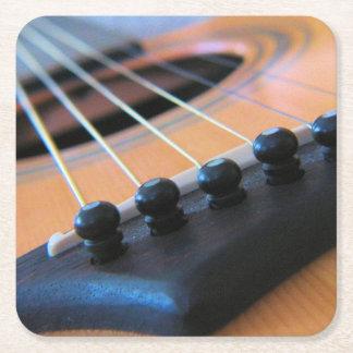 Las secuencias de la guitarra - guarde la música posavasos desechable cuadrado