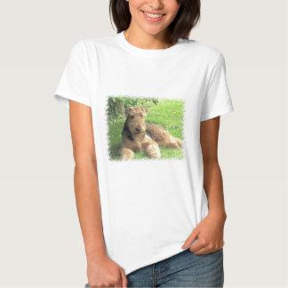 Las señoras de Airedale Terrier cupieron T-S'hirt Camisas