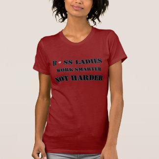 Las señoras de Boss trabajan una camiseta no más