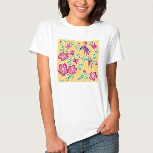 Las señoras florales del batik de Sakura cupieron Camiseta