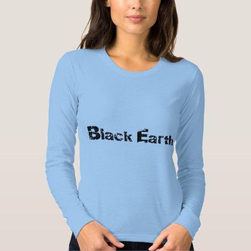 Las señoras negras de la tierra cupieron la playera