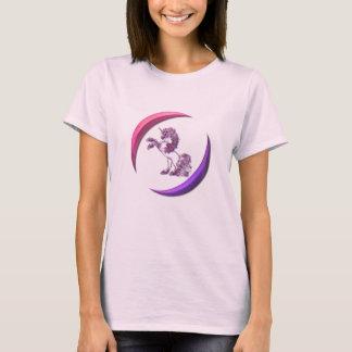 Las señoras rosadas del diseño del unicornio playera