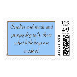 Las serpientes y las colas de los caracoles y del sello postal