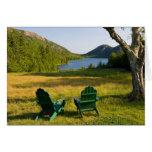Las sillas de Adirondack en el césped de la Jordan Tarjetas