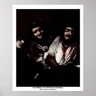 Las singularidades (dos mujeres mayores Smirking)  Poster