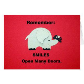 ¡Las sonrisas abren muchas puertas! Tarjeta De Felicitación