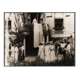 Las sufragistas celebran la diecinueveavo enmienda postal