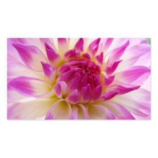 Las tarjetas de visita florales crean su propio pe
