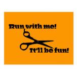 ¡Las tijeras - corra conmigo! ¡Será diversión! Postales