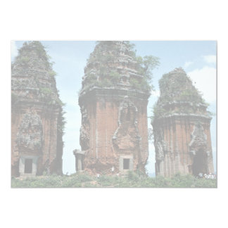 Las torres del Cham en el distrito de Binh Dinh, Invitacion Personalizada