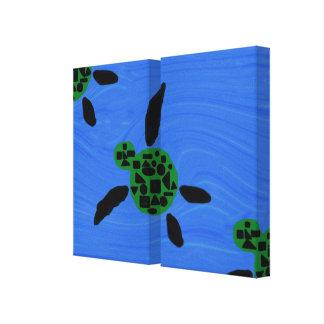 Las tortugas de mar envolvieron los paneles de la  impresión en lona estirada