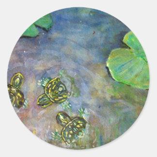 Las tortugas del bebé en el agua Lilly del arco Pegatina Redonda