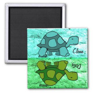 Las tortugas limpian/sucio imán cuadrado