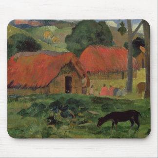 Las tres chozas, Tahití, 1891-92 (aceite en lona) Alfombrillas De Raton