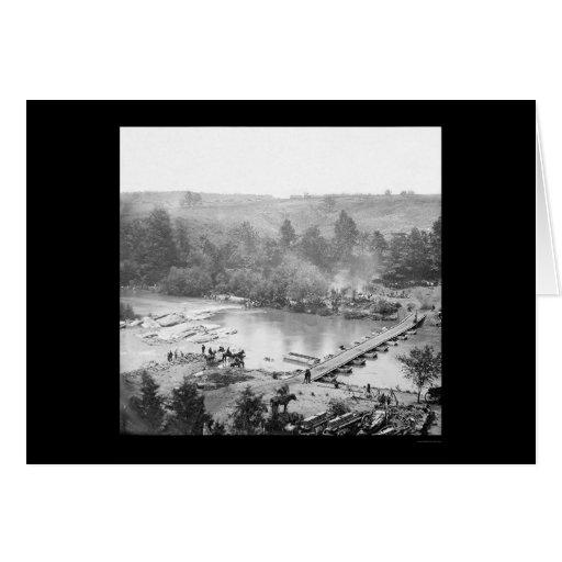 Las tropas acercan al puente pontón sobre Ana del Tarjeta De Felicitación