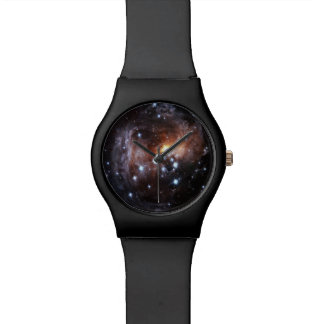 Las últimas opiniones de Hubble del eco ligero de Relojes