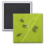 Las vacas que juegan a fútbol imán cuadrado