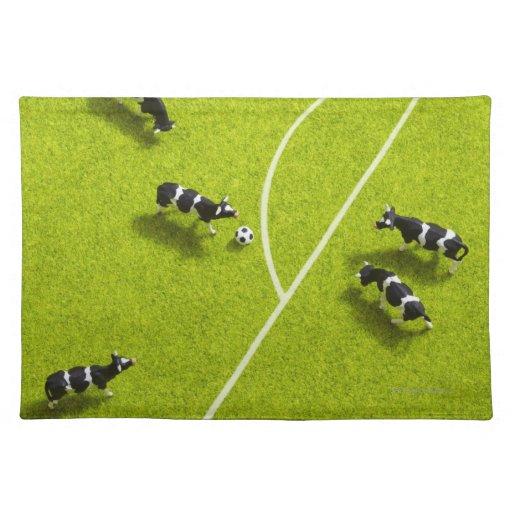 Las vacas que juegan a fútbol mantel
