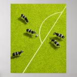 Las vacas que juegan a fútbol póster