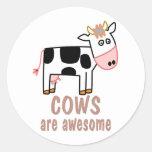 Las vacas son impresionantes pegatina redonda