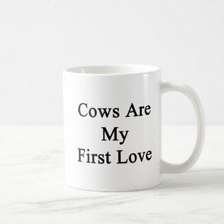 Las vacas son mi primer amor taza clásica