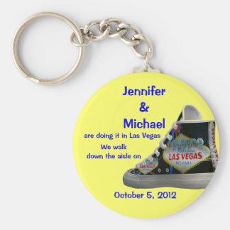 Las Vegas Wedding : walk down the aisle Keychain