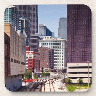 Las vías del viajero llevan en Chicago céntrica Posavaso