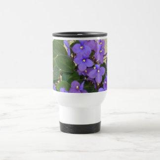 Las violetas azules más azules taza de viaje de acero inoxidable