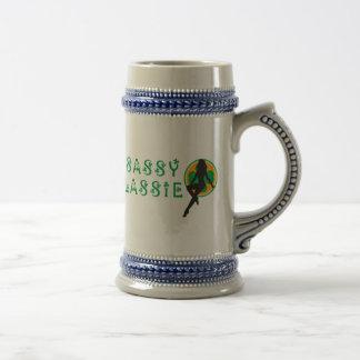 Lassie descarado irlandés divertido jarra de cerveza
