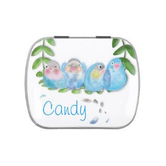 Lata azul divertida y feliz del caramelo de los pá frascos de dulces