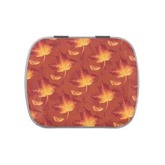 Lata del caramelo de las hojas de otoño