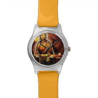 Latas Buda de reloj del 28 de mayo