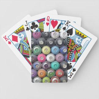 Latas de aerosol barajas de cartas